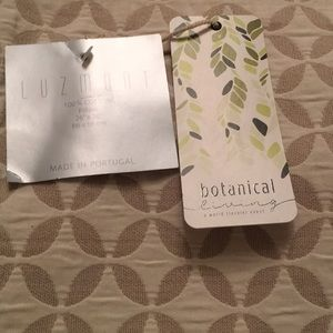 NWT LUZMONT MADE IN PORTUGAL botanical pillowcover